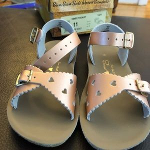 Sweetheart Rose Gold Sandals, never worn!